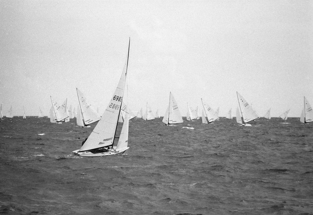 GREG DOLAN AND ANDREW MENKART WINNING RACE IV AT THE 1985 STAR WORLD CHAMPIONSHIPS IN NASSAU