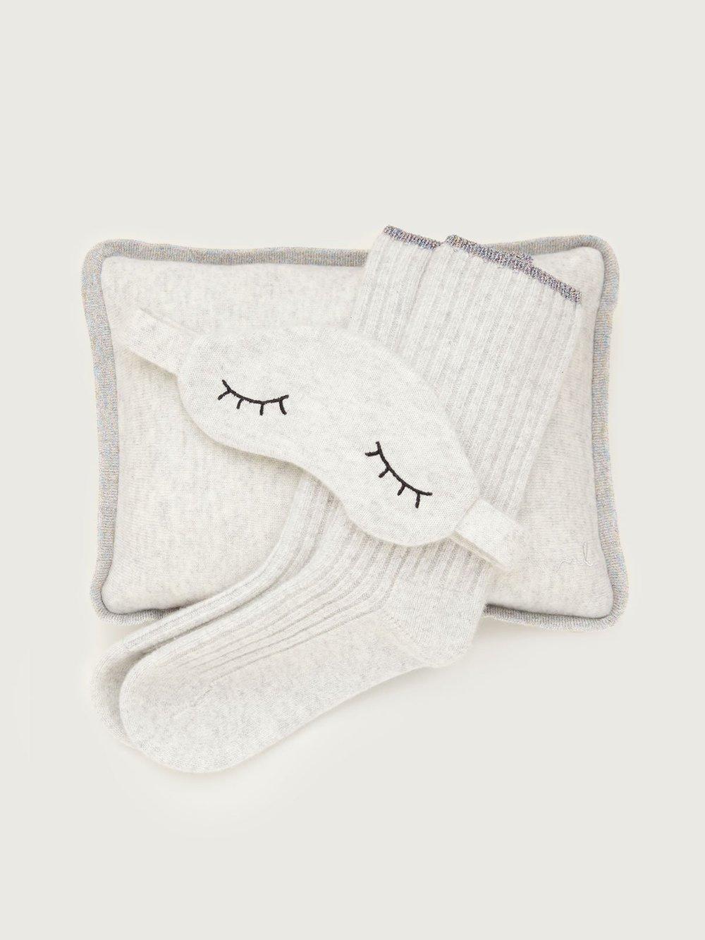 Wellness Gift Idea 2018 - Jetsetters - Morgan Lane - Sleepy Cashmere Gift Set.jpg