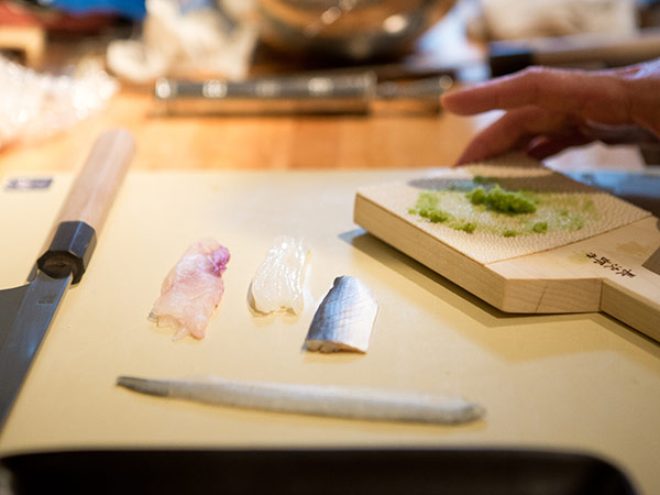 Kado no Mise Japanese restaurant serves edomae fare that is simple and delicate - true to the tastes and form that chef Furukawa learned when he first started cooking professionally in his hometown of Tokyo, Japan.   Open Everyday   5pm Happy Hour : Monday - Friday   4pm - 6pm Brunch : Saturday & Sunday   10am - 2pm