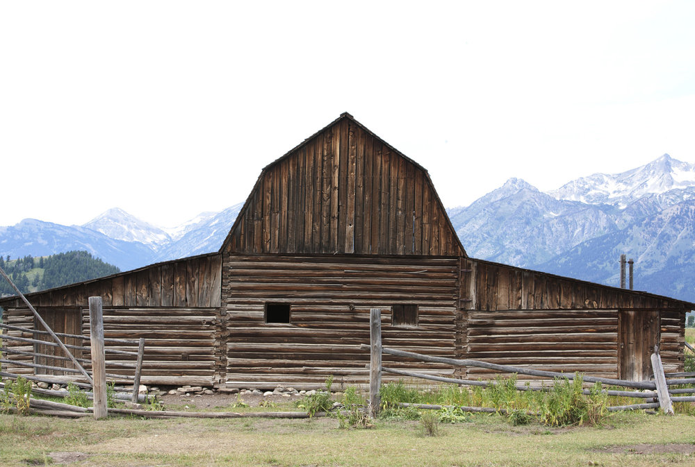 ss 2000 new-jackson-hole-barn.jpg
