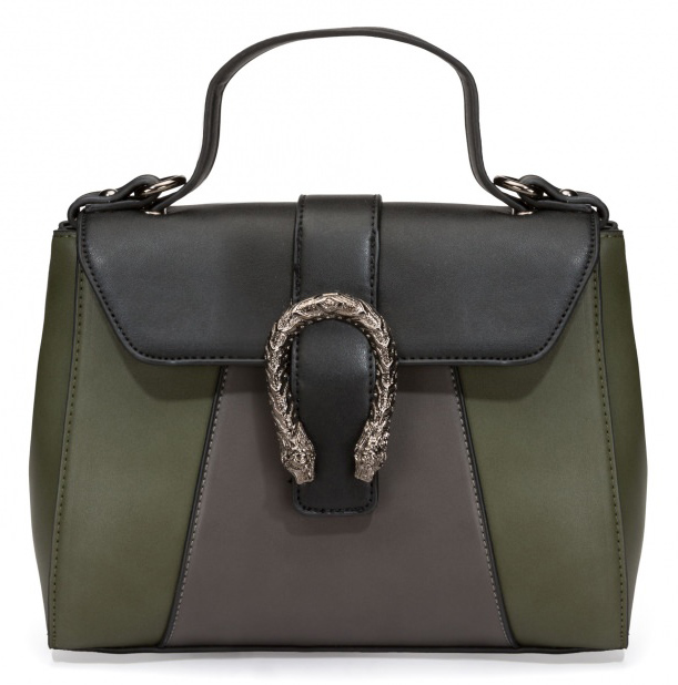 Bolsa de Mão Trendiest, R$ 159,90https://amaro.com/p/bolsa-de-mao-trendiest/verde