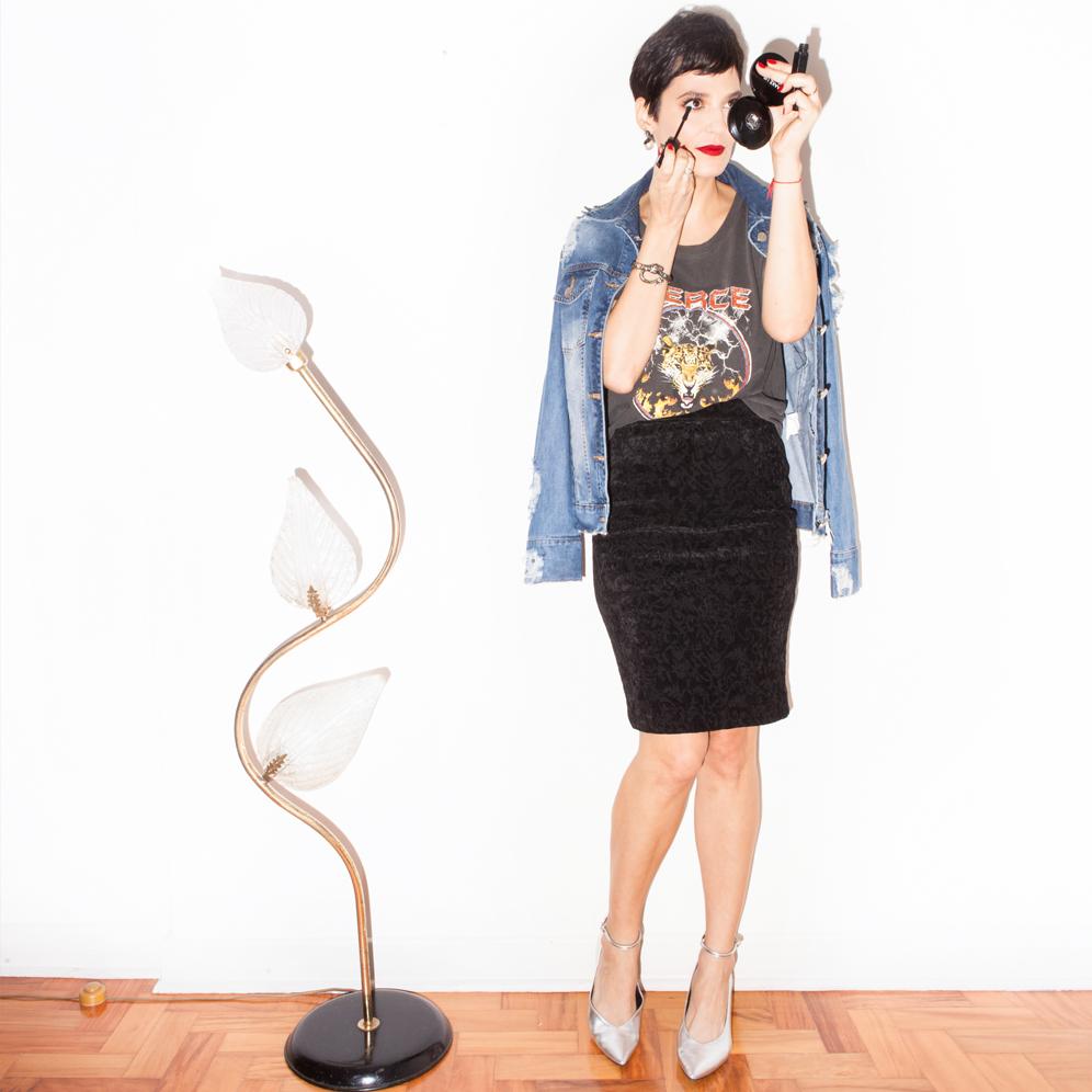 Vanessa Rozan usando uma blusa AMARO