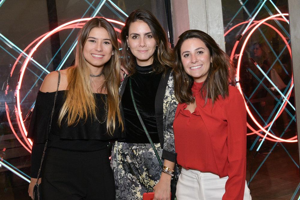 Mariah Diniz, Camila Assreuy e Thaís Varela