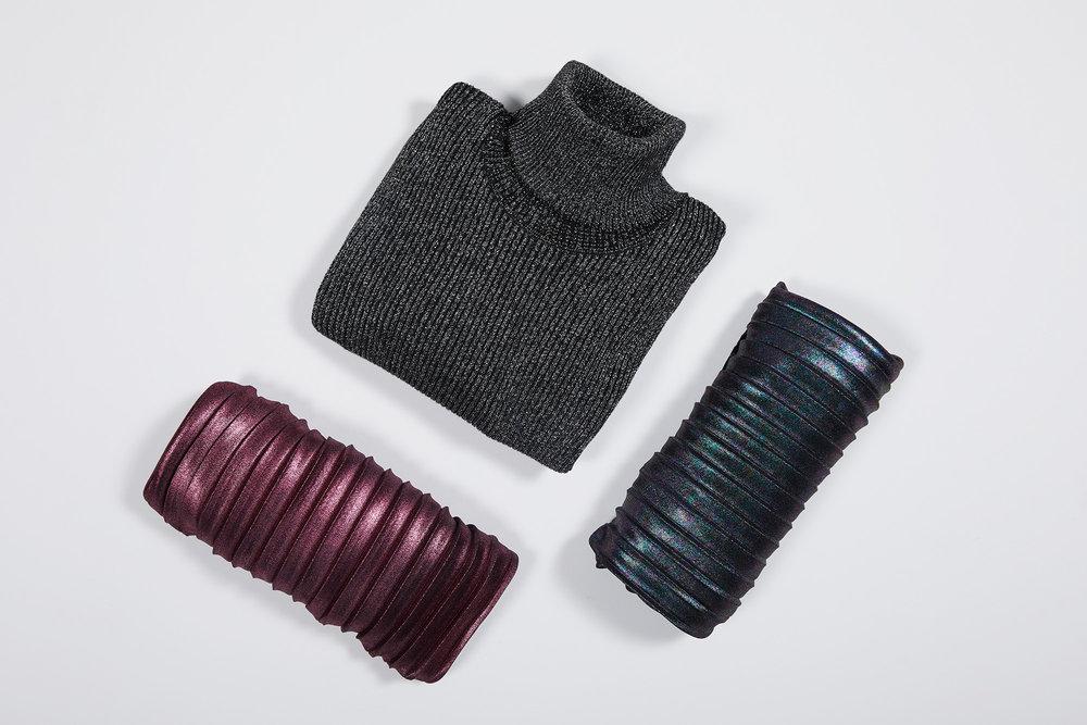 Conjunto com blusa metalizada e saias metalizadas