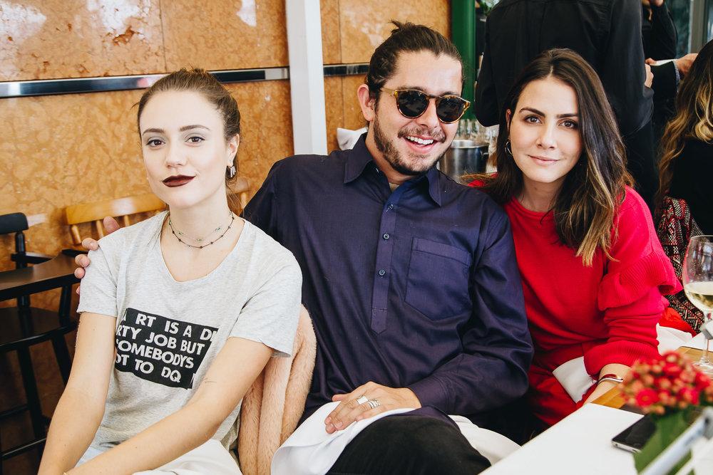 Marcella Malczewsk, Thiago Straub e Camila Assreuy.