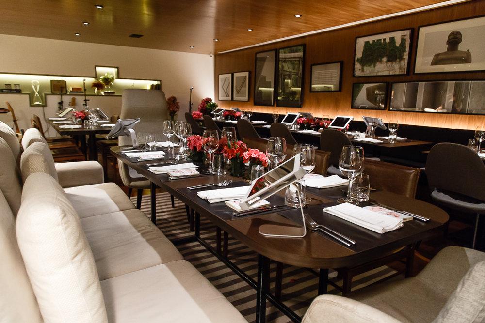 O restaurante Nomade fica dentro do Nomaa Hotel, no bairro do Batel em Curitiba.