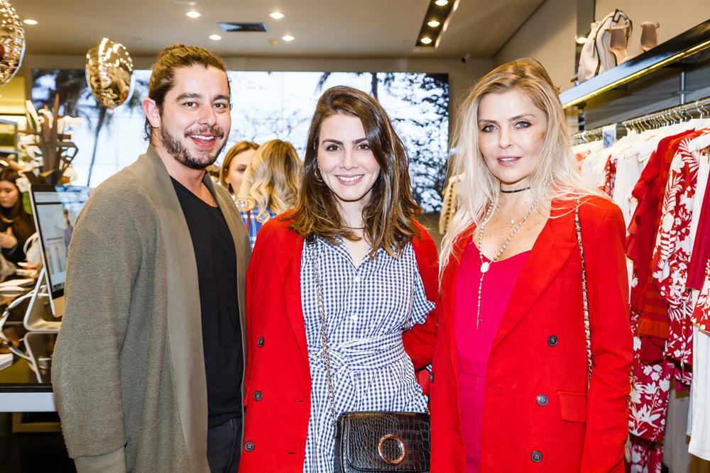 Thiago Straub, Camila Assreuy e Thay Ribas