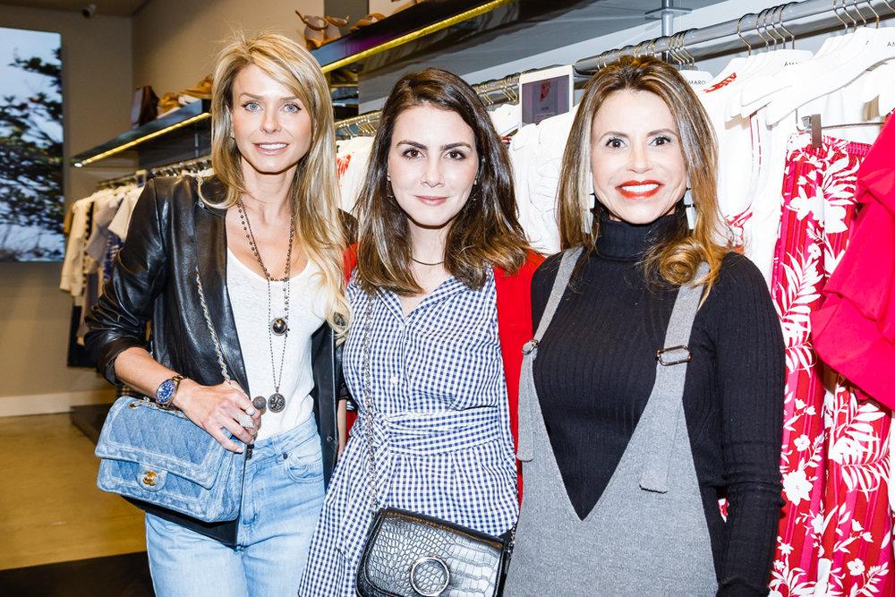 Gisele Fuchs, Camila Assreuy e Karla Petrelli