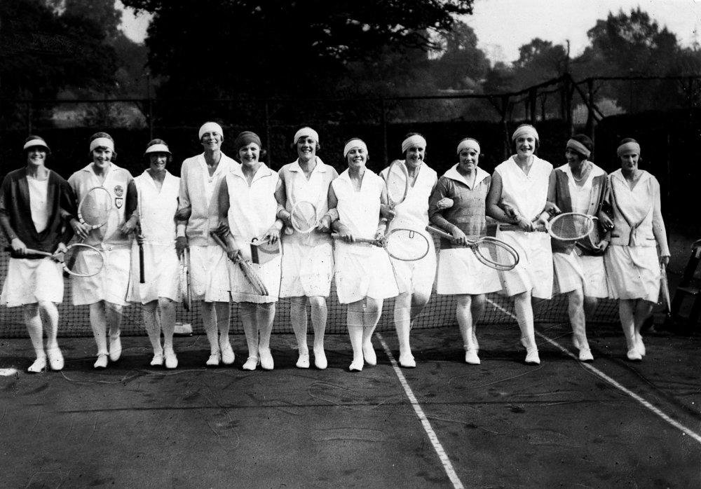 Primeiro time de tenistas da Inglaterra a jogar no torneio de Wimbledon em 1928, Getty Images