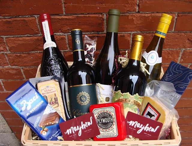 Don't stress about #gifts for clients, employees, or bosses- this year, give a gift even Santa's elves would be jealous of. Visit our website or give us a call to get your custom-curated gift basket. We even offer free delivery to select Boston neighborhoods. (857) 239-9366 . . . #GiftBasket #CorporateGifts #CorporateGifting #GiftIdeas #ChristmasIdeas #Hanukkah #Wine #CustomGifts #GiftDesign #BostonLocal #SupportSmallBusiness #ShopLocal #MayhewWine #PourOnPoint #Fortpoint #Wine #WineLovers #CorporateGiftIdeas #ClientGifts #ClientGifting #ClientGiftIdeas #Goodies #FreeDelivery #GiftGuide