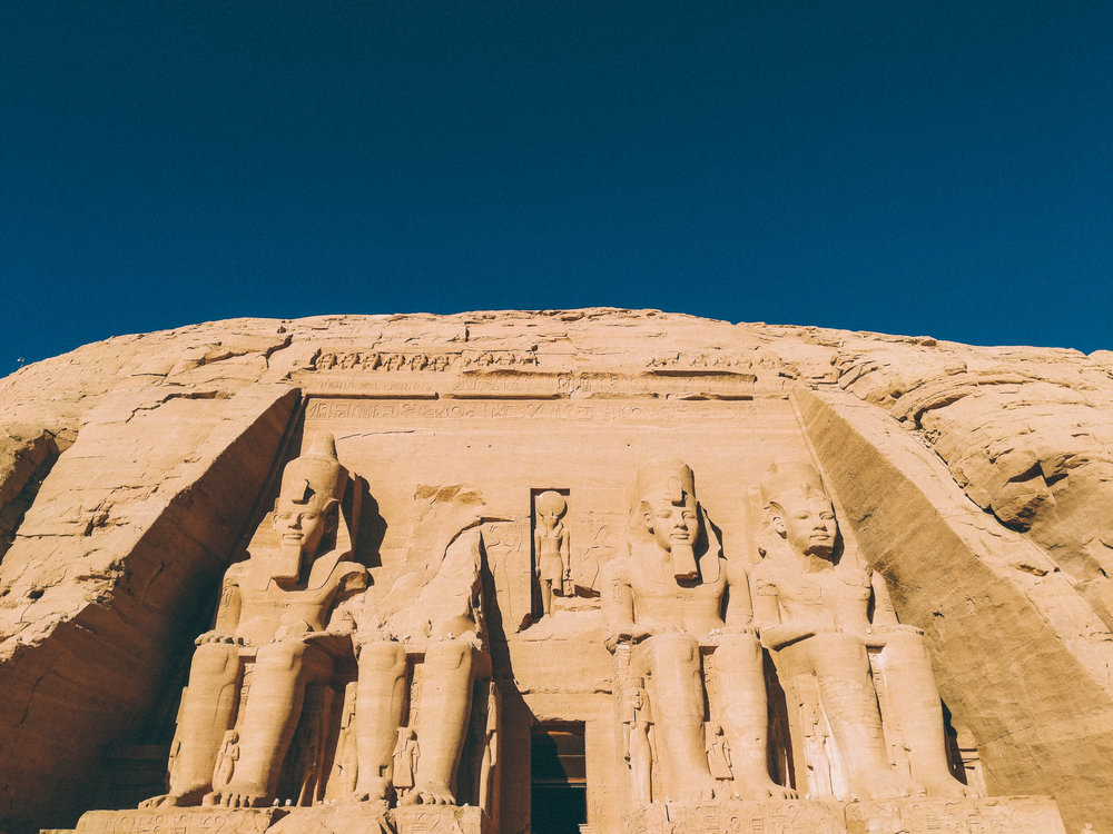 abusimbel2.jpg