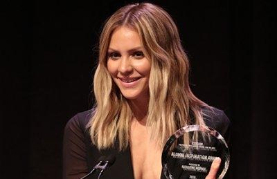 Katharine_McPhee_CSSSA_Award.jpg