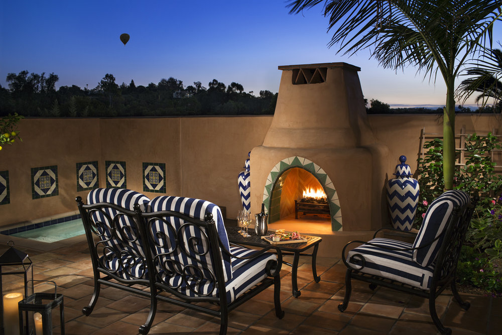 CASITA_Patio_Night_small.jpg