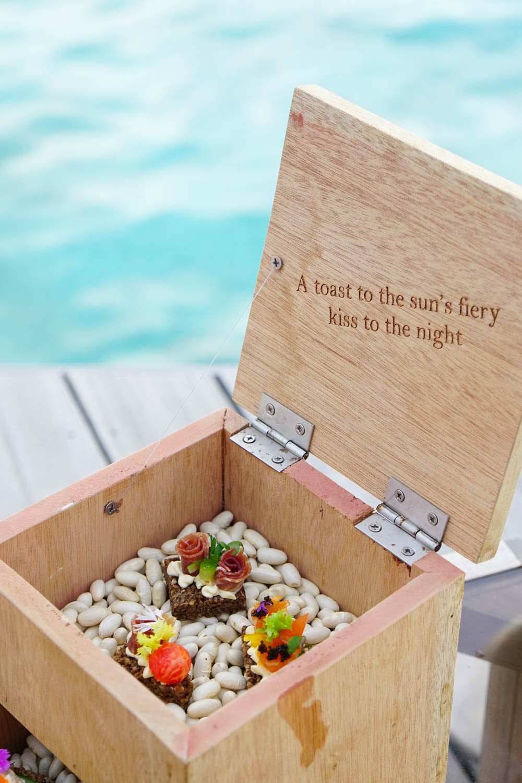 Maldives_Resort_Honeymoon_Hurawalhi_MaldivesTravelAdvisor-16.jpg