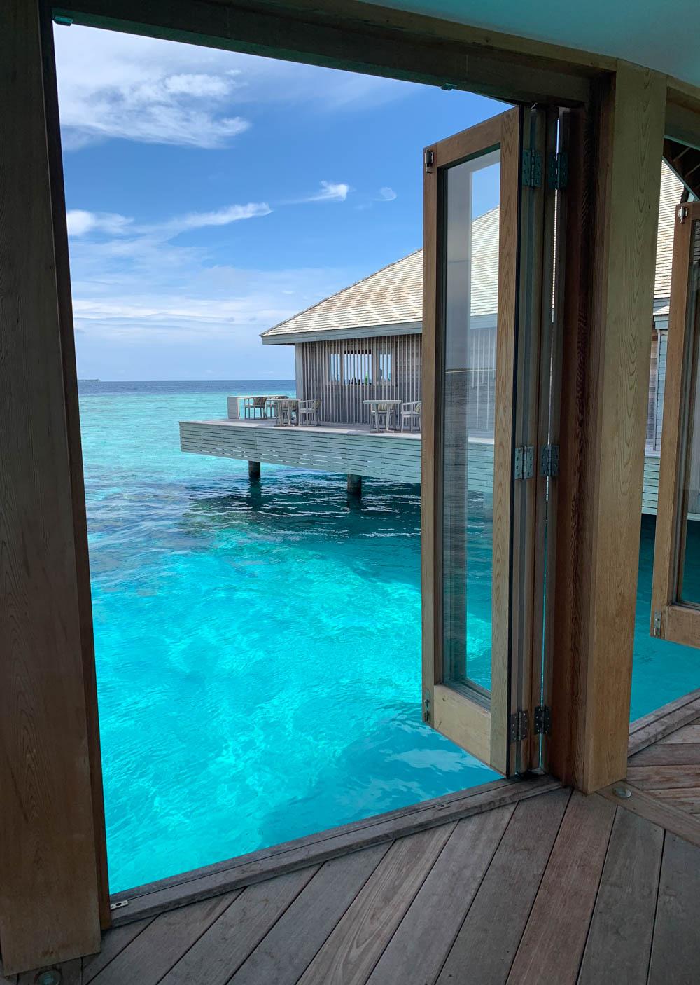 Maldives_Resort_Honeymoon_Hurawalhi_MaldivesTravelAdvisor-32.jpg