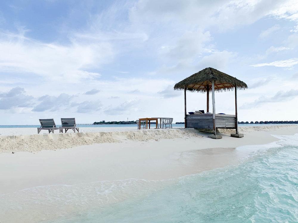 Maldives_Resort_Honeymoon_Hurawalhi_MaldivesTravelAdvisor-3.jpg