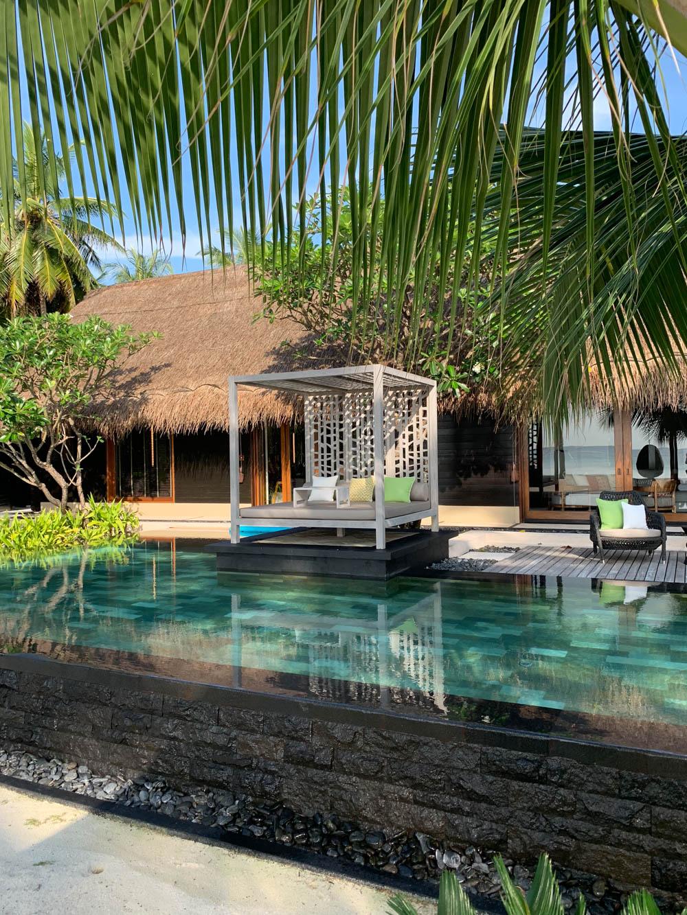 Maldives_Resort_Honeymoon_OneandOnly_MaldivesTravelAdvisor-9.jpg