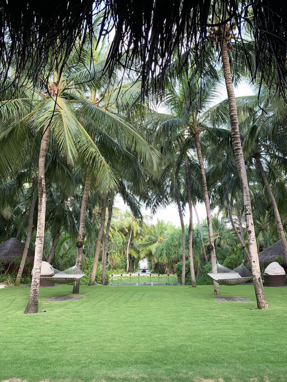 Maldives_Resort_Honeymoon_OneandOnly_MaldivesTravelAdvisor-19.jpg