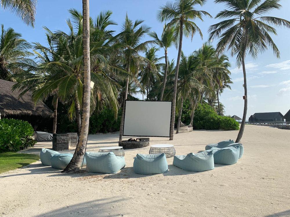 Maldives_Resort_Honeymoon_OneandOnly_MaldivesTravelAdvisor-8.jpg