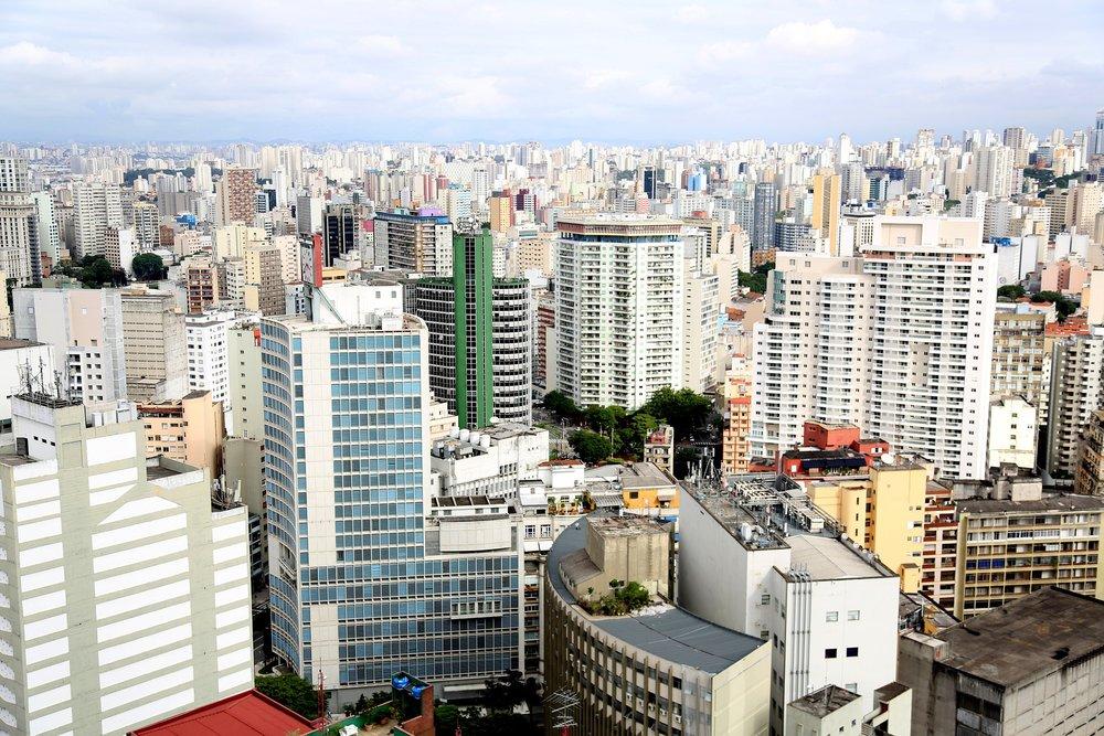 buildings-1206155_1920.jpg