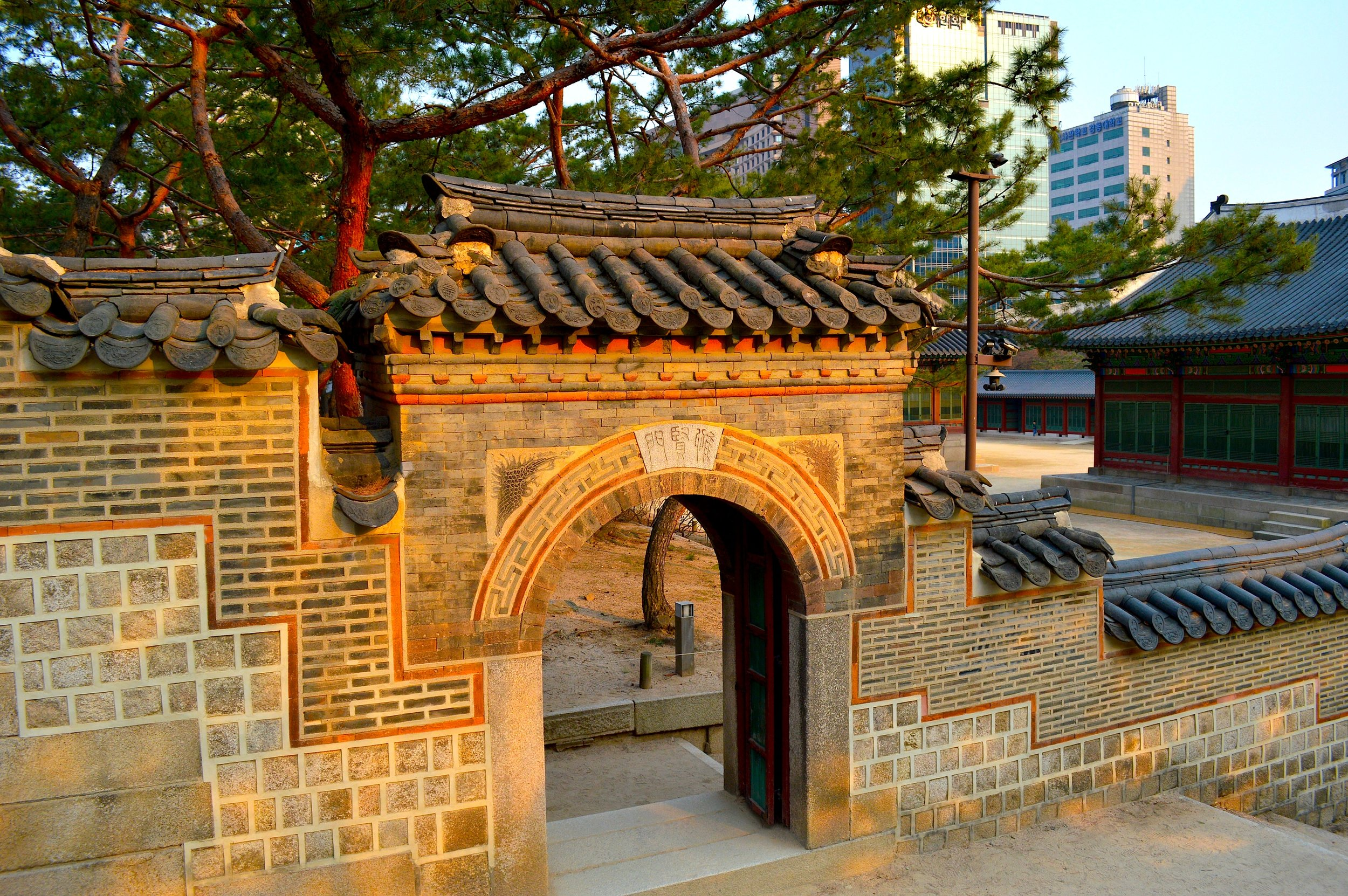 Gate Inside Deoksugung Palace – 덕수궁