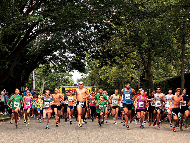 Participants in last year's Ellen's Run, sponsored by the Ellen Hermanson Foundation.  PHOTOGRAPHY BY RIVALYN ZWEIG