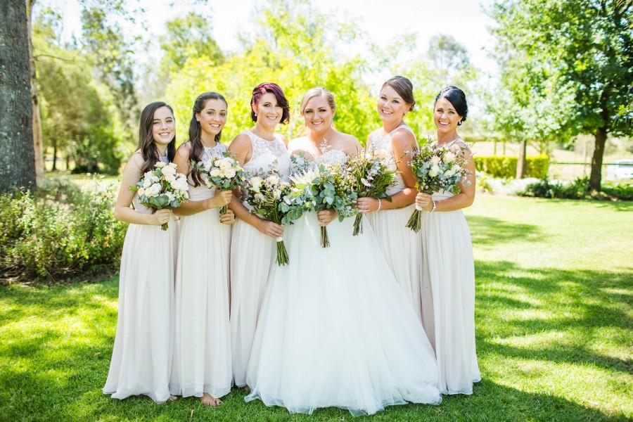 Erin_Paul_Rustic-Garden-Wedding_014-900x600.jpg