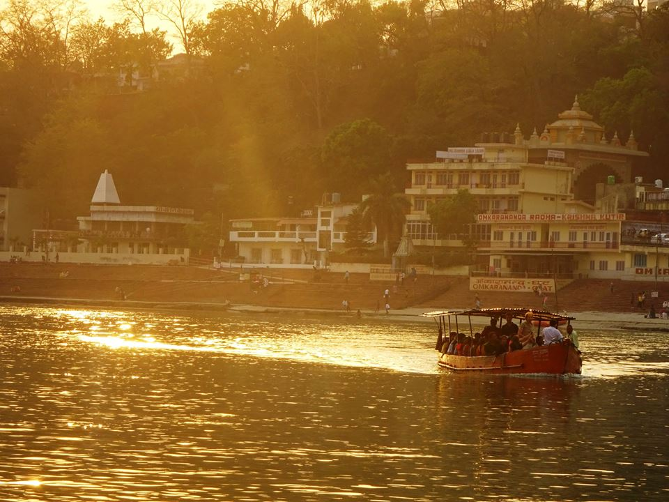 Golden Ganga: sunset from the ghats in Rishikesh