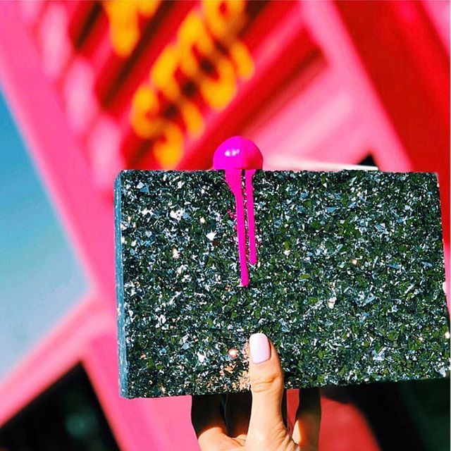 Frozen in time 🍭 Classic Lolli back in stock soon and in different colors! . . #lalingigirl #lollipopclutch #fashionfoodie #designerbag #clutchbag #glitterclutch #redcarpetclutch #celebritystyle #stylist #dubaidesigndistrict #pinklove #londondesigner #streetstyle #pfw #coutureweek #statementbag #luxurybag #luxurybrand