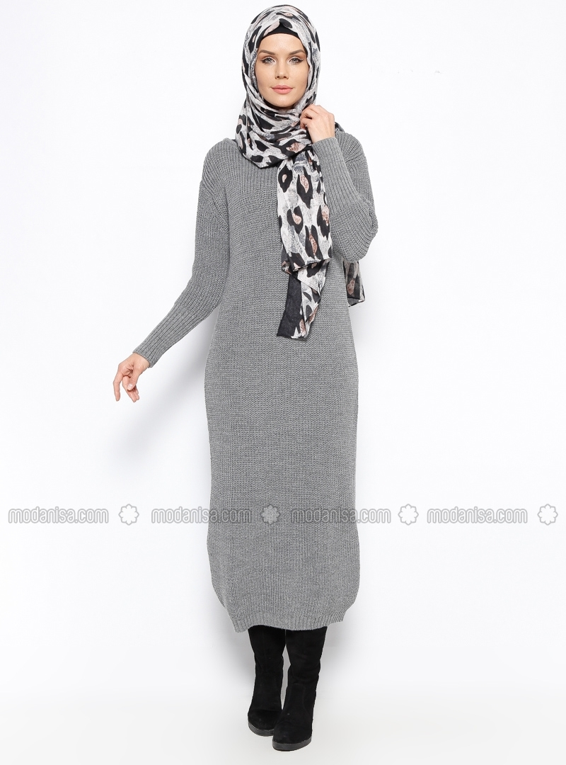 Grey crew neck dress by Zentoni