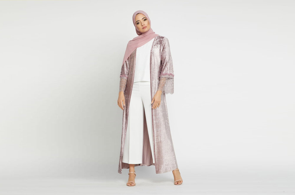 See Abaya Buth's latest collection  on the catwalk at London Muslim Lifestyle Show 2018