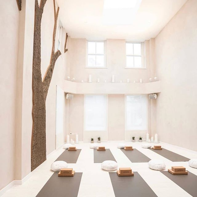 Starting the week in the most beautiful & tranquil space - it's so important to take time out of a busy schedule to focus on your mind,  practising yoga and meditating is the perfect way to do just that! 🧘🏼♀️🧘🏼♂️ 📸 @casiebamford . . . #crescentgardens #thorpegroup #thorpeproperty #harrogate #spaquarterredefined #luxury #privateresidence #worldclass #landmark #architecture #design #interiordesign #parkland #gallery #wellnessspa #spa #restore #harrogatespa #atelier #designatelier #privateclient #bamford #yoga #meditation #practiceyoga #tranquil #relax #mind #wellness