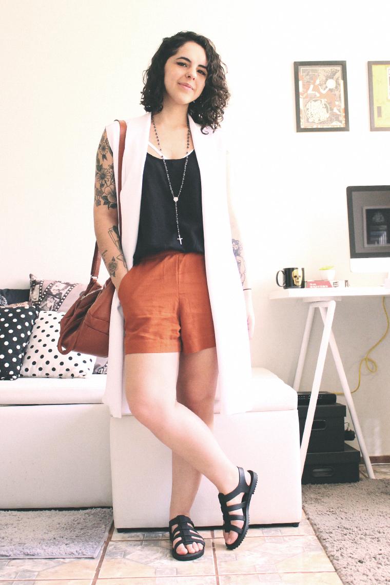 Essa sou eu, usando roupas que amo e acredito. :)