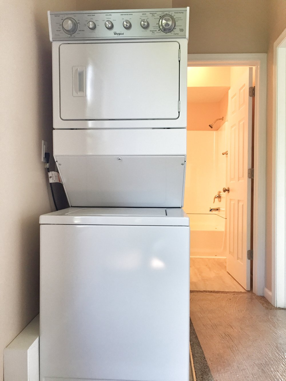 3704.laundry.jpg