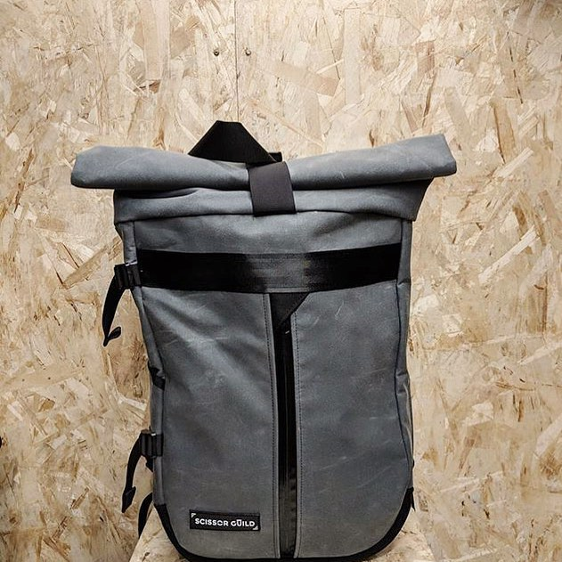 Last day to enter our bag giveaway! In honor of the release of our new products, we are giving away one roll-top backpack (pictured above), one upcycled backpack and one modular duffle.  To enter: simply repost an image of one of our products on your story or feed and tag us @scissorguild. The winners will be announced tomorrow. Good luck 🍀 . . . . #giveaway #contest  #bag #bagoftheday  #handmadeaccessory #handmadebag #handmadegifts #handmadewithlove #handmade #handmadeisbetter #fabriquealamain #faitalamainamontréal #buylocal #madeinmtl #locallife #faitauquebec #scissorguild #montreal #madeinmontreal  #fabriqueamontreal #faitamontreal #montrealdesign