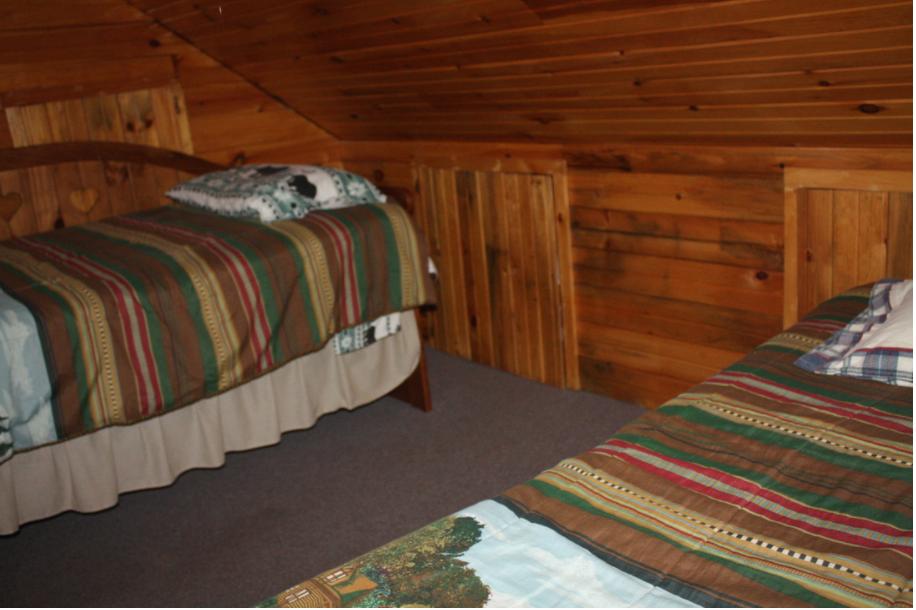 loft w/twin beds