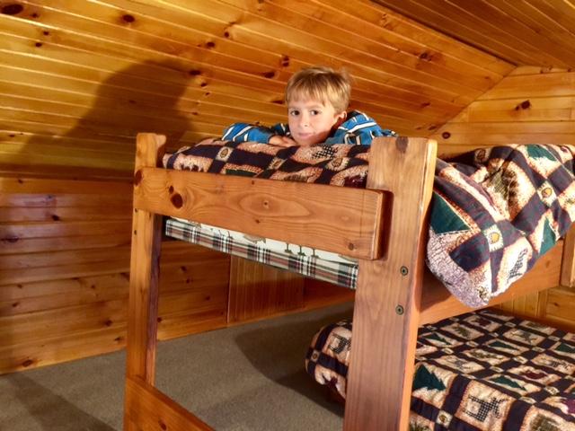 loft w/bunk beds