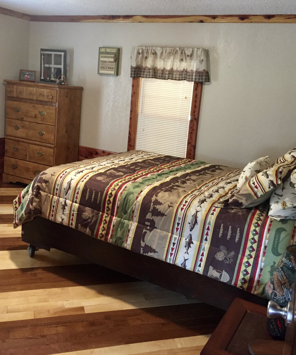 master suite/queen bed
