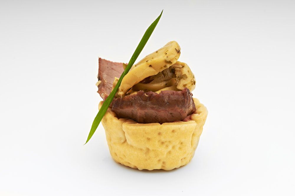 "Roast beef glazed in a honey soy sauce topped with pickled mushrooms in  1"" cheese dlx   Product code - FF2011"
