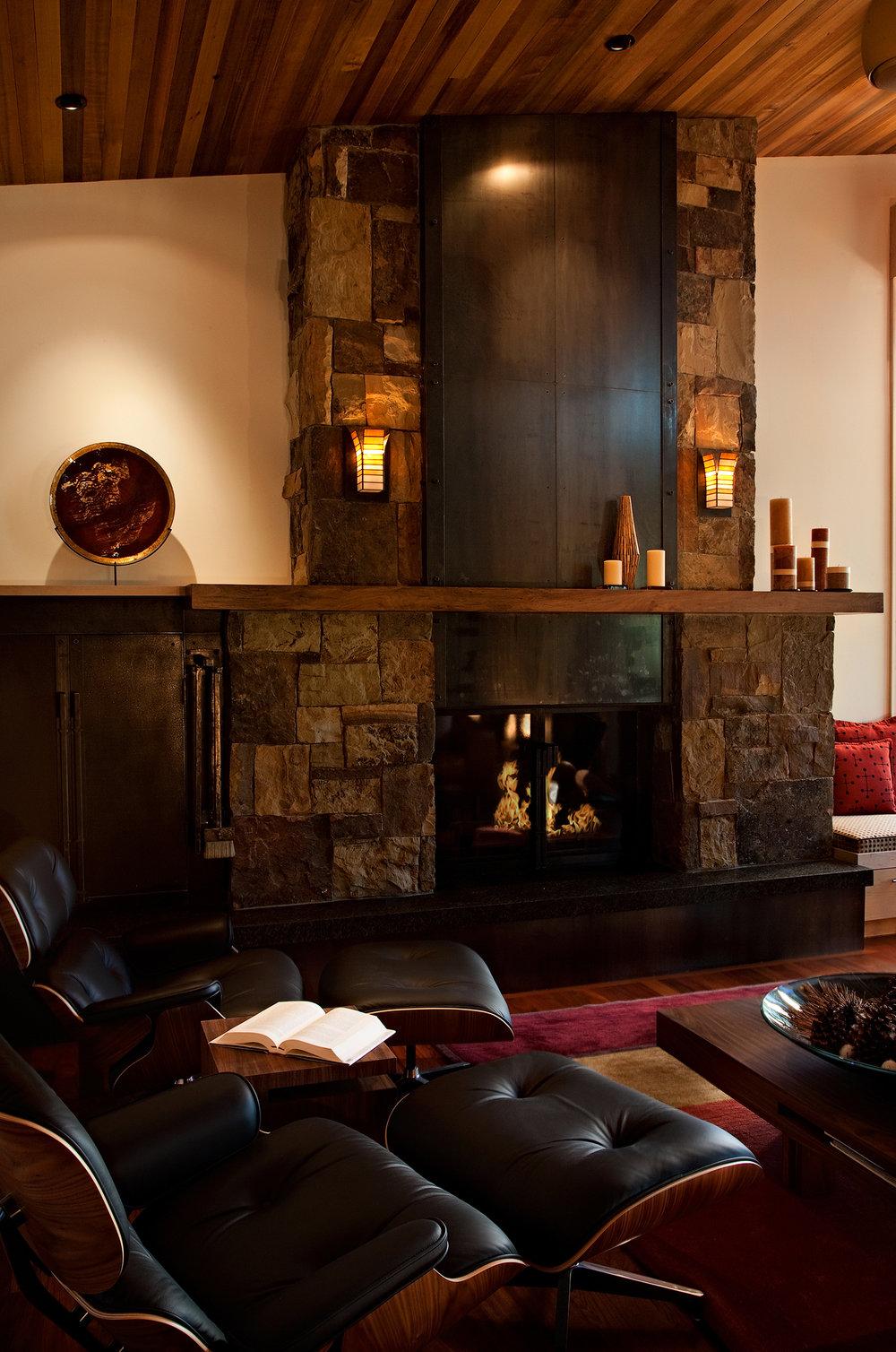 LH 356_Living Room_Fireplace_Metal Detail.jpg