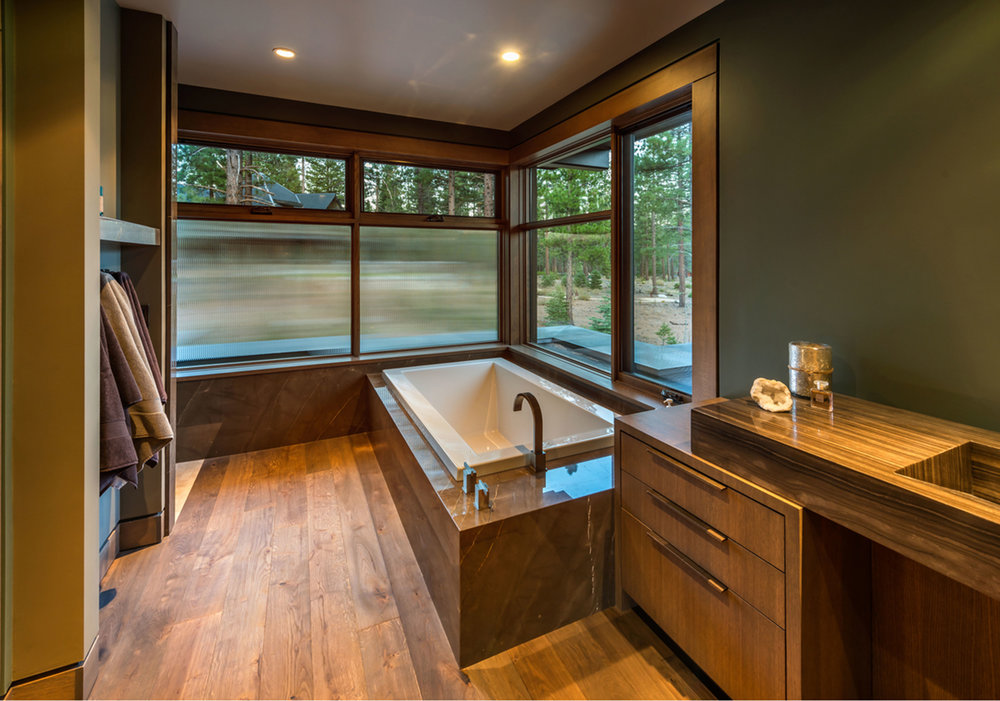 Lot 372_Master Bath_Builtin Tub_Slab.jpg