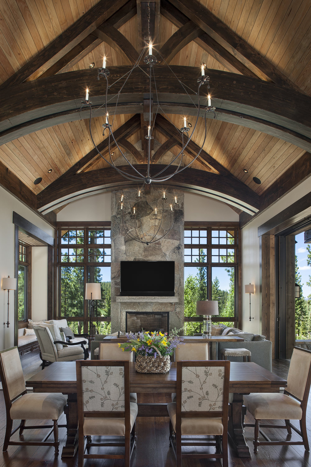 Lot 640_Great Room_Dining Room_Arched Trusses_Windows.jpg