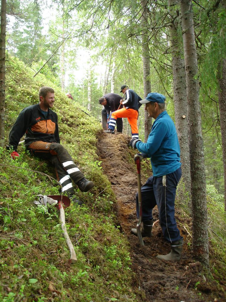 Rydding av tursti fra Norefjord til Kravik ble startet i 2012.