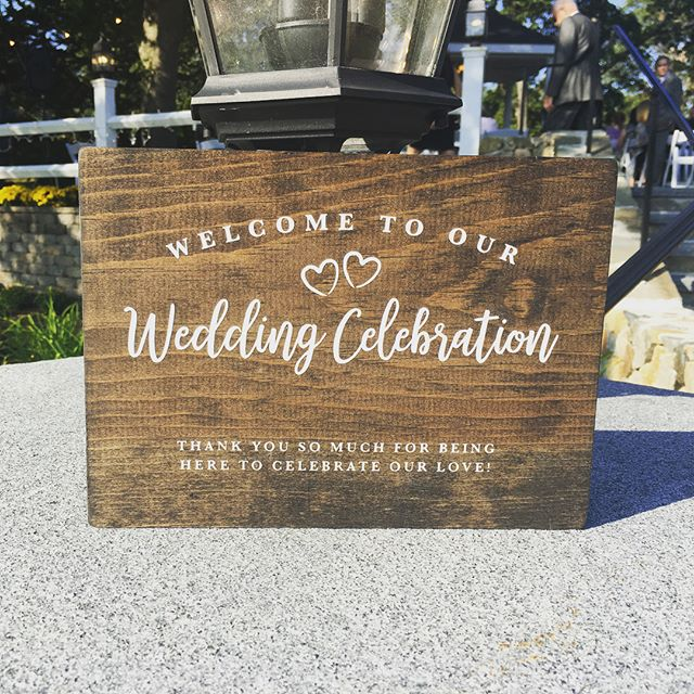 Wedding signage for the beautiful wedding of #livelaughlovett! Keep getting married friends, I love making these little signs!