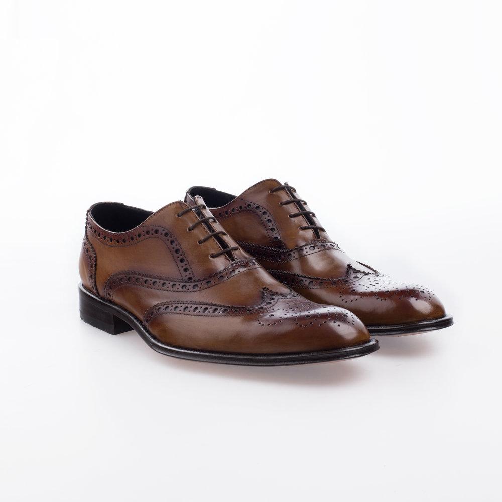 5031 Miel $1,799 MX Zapato Ingles, puntera de ala perforada, entintado a mano.