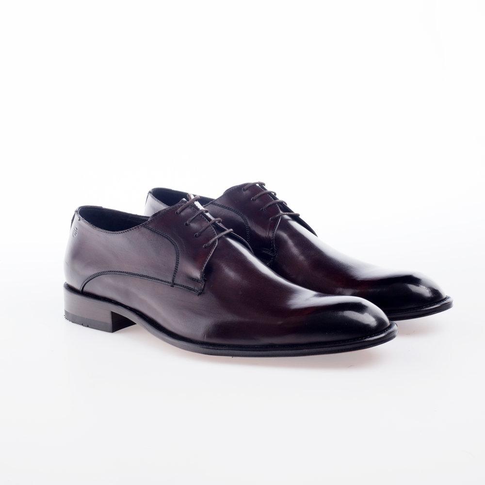 5021 Caoba $1,799 MX Zapato Ingles, entintado a mano.