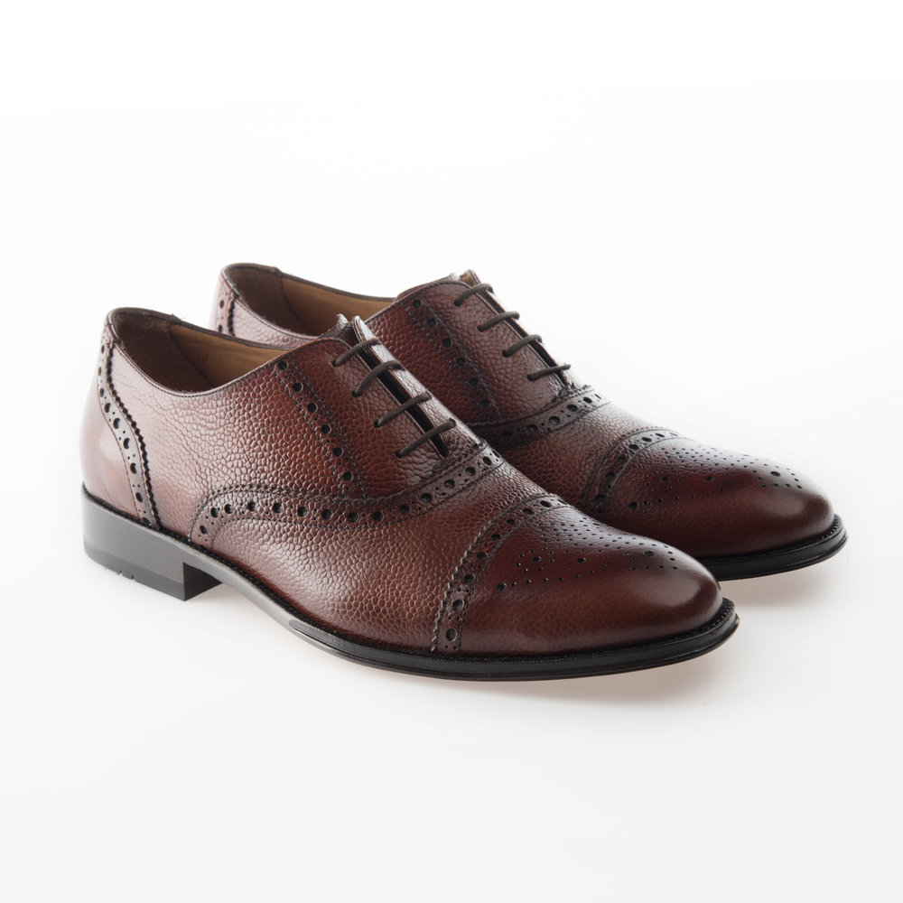 9148 Tan $1,499 MX Zapato Oxford, puntera recta perforada, piel Grain Calf