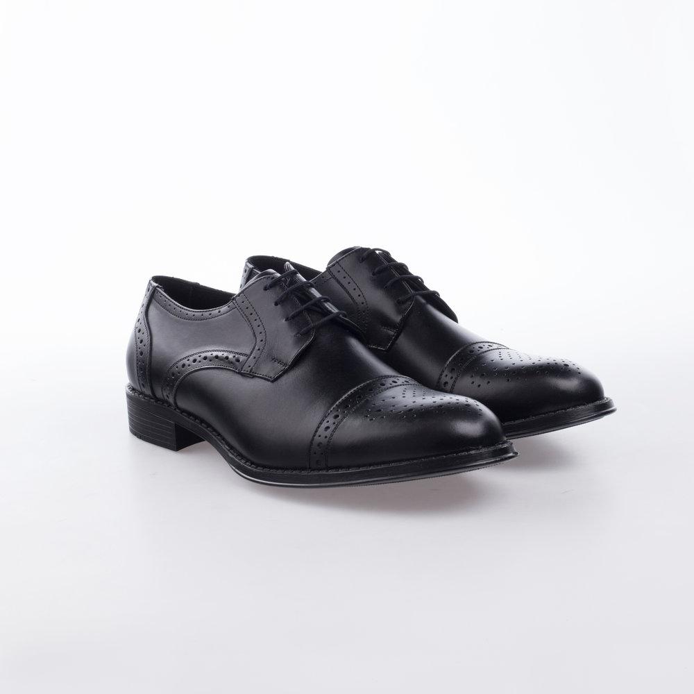 7800 Negro  $1,199 MX  Zapato Derby puntera recta, suela de Alto rendimiento y Confort.