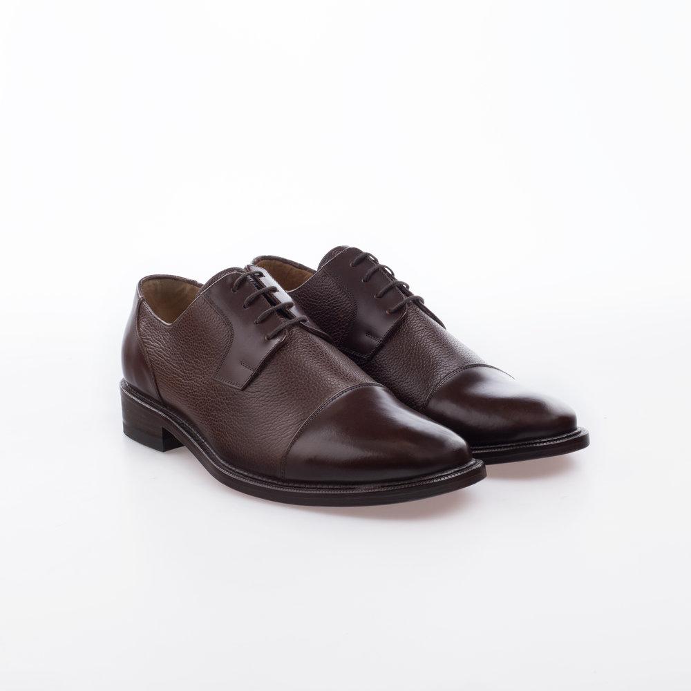 6001 Cafe $1,499 MX Zapato Blucher con puntera lisa, combinación piel de toro.