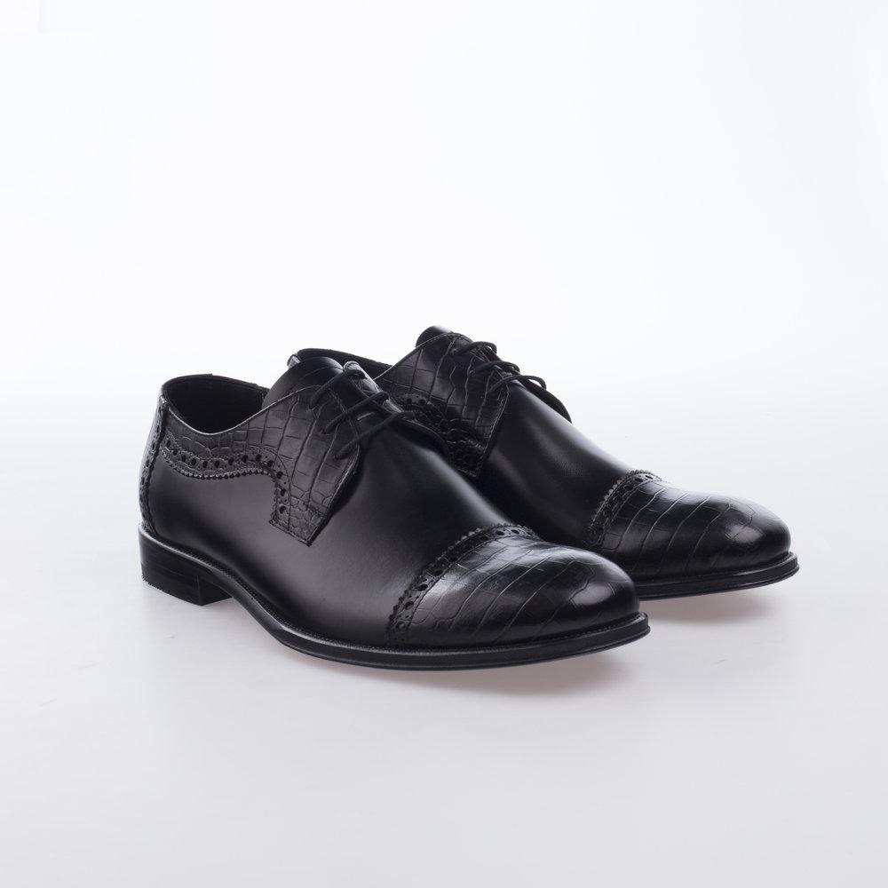 9133 Negro $1,499 MX Zapato Derby, combinación pieles, Puntera recta en Alligator Stamping.